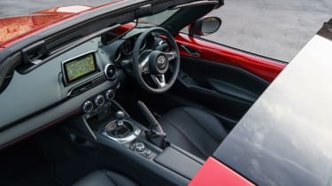 Mazda MX-5 RF - Interior