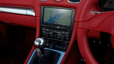 2013 Porsche Cayman red leather interior gearstick