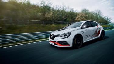 Renault Megane RS Trophy - front quarter