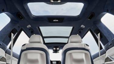 BMW X7 - panoramic sunroof