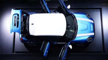 MINI 5-door: Paris motor show 2014