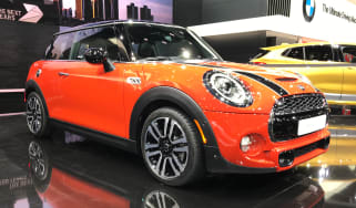 Mini Cooper facelift - front quarter