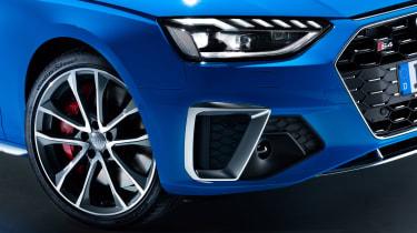 Audi S4 - headlights