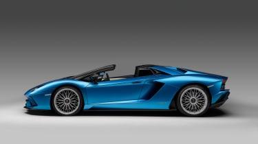 Lamborghini Aventador S Roadster - profile