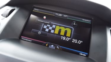 Ford Focus RS Mountune M400 - Infotainment screen