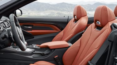 BMW M4 Convertible front seats Air Collar