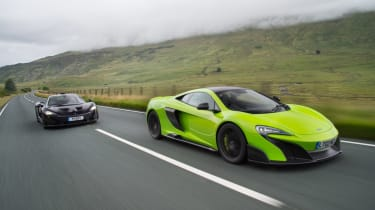 McLaren 675LT vs McLaren P1 - tracking