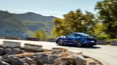 Porsche 718 Cayman GT4 side