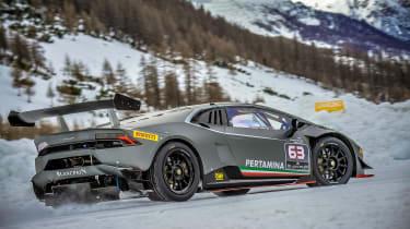 Pirelli winter tyres campaign - Lamborghini snow