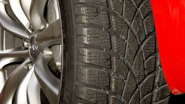 Dunlop SP Winter Sport 3D tyres on evo's Infiniti G37S Coupe