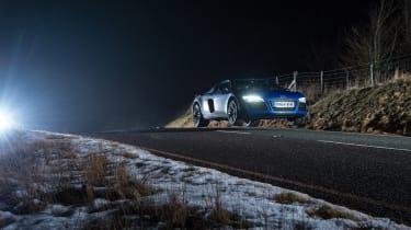 Audi R8 LMX night drive - jump