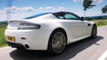 Aston Martin V8 Vantage N420 rear tracking