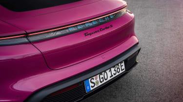 2022 Porsche Taycan – badge