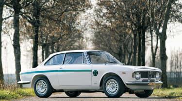 Alfa Romeo GTA Sprint 1300 Junior - side
