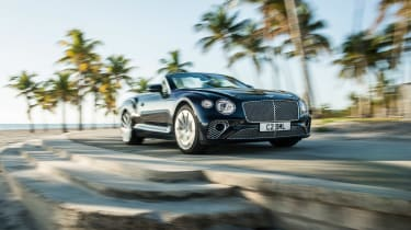 Bentley Continental GT Convertible V8 - dash