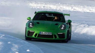 Porsche 911 GT3 RS snow - front