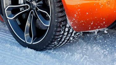 McLaren MP4-12C winter tyres alloy wheel