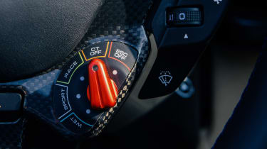 Ferrari 812 GTS TDF blue - switch