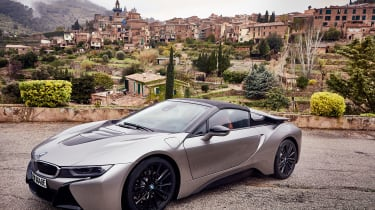 BMW i8 Roadster - grey