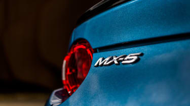Mazda MX-5 RF Sport Black – rear light