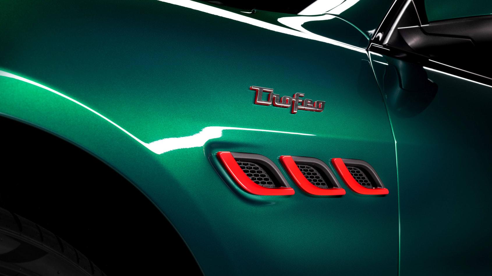 [Image: Maserati%20Quattroporte%20Trofeo-5.jpg]