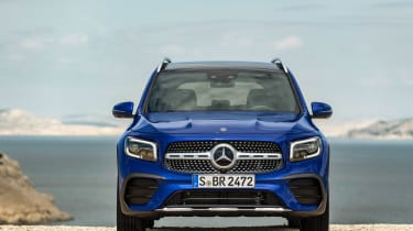 Mercedes GLB revealed - frotn