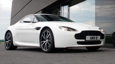 Aston Martin V8 Vantage N420 static
