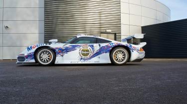 Porsche 911 GT1 - profile