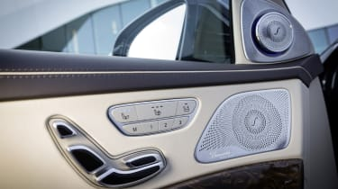 Mercedes S65 AMG speakers