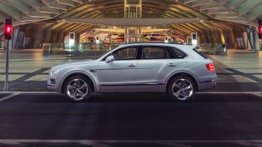 Bentley Bentayga PHEV - profile