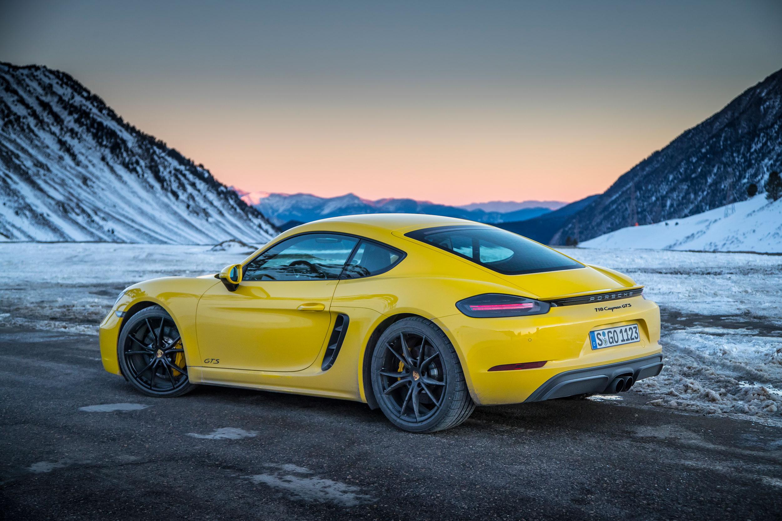 Porsche 718 Cayman review – The entry-level Porsche punches