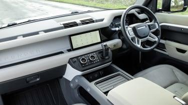 Land Rover Defender 110 P400 – dash