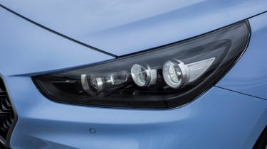 Hyundai i30 N  - headlights