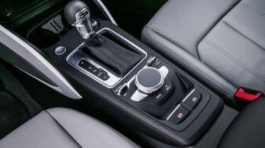 Audi Q2 - press console