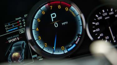 Lexus RC F - Dials