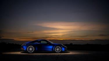 Porsche 911 Carrera S manual blue - static profile
