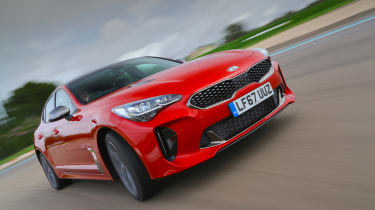 Kia Stinger GT-S UK - front tracking