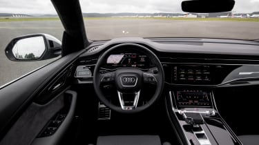 Audi SQ8 TDI review - dash