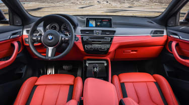 BMW X2 M35i - dash