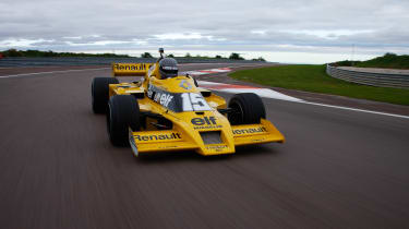 Renault RS01 - front driving