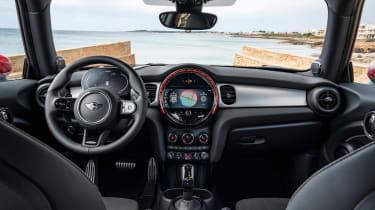 2021 Mini JCW revealed - cabin