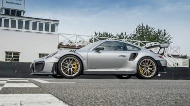 Porsche 911 GT2 RS - 991.2 track static