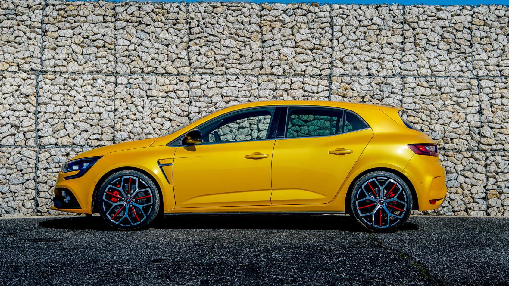 2017 - [Renault] Megane IV R.S. - Page 36 Renault_megane_r.s._300_trophy_estoril089