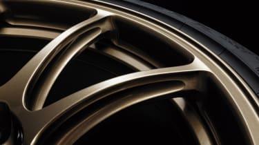 MY22 Nissan GT-R T-spec – wheels