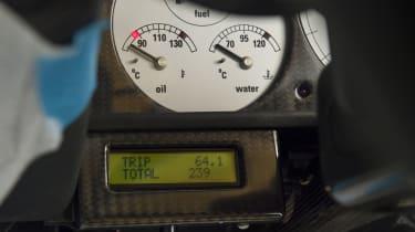 McLaren F1 - odometer