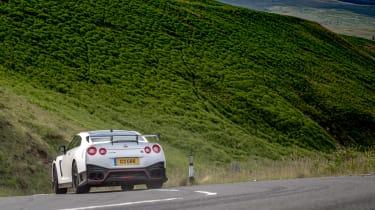 992 GT3 group test – GT-R rear cornering