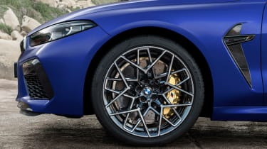 BMW M8 Competition - front wheel