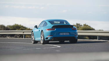 Porsche 911 Carrera S 991.2 - rear