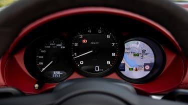 Porsche 718 Boxster Spyder - dials