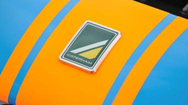 Caterham 620R badge Gulf stripes